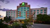 Holiday Inn & Suites Oakville @ Bronte Exterior