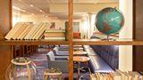 Holiday Inn Express Fisherman's Wharf Lobby