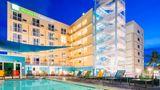 Holiday Inn Express & Suites Nassau Exterior