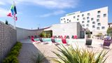 Holiday Inn Express Odysseum Exterior
