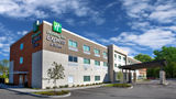 Holiday Inn Express & Suites New Castle Exterior