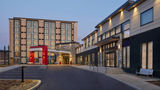 TownePlace Suites by Marriott Oshawa Exterior