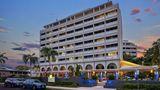 Holiday Inn Cairns Harbourside Exterior