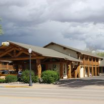 Moose Creek Lodge and Suites