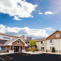 AmericInn Hotel & Suites Long Lake