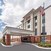 Hampton Inn and Suites Bridgeview