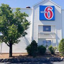 Motel 6 Maryland Heights