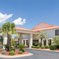 Days Inn & Suites Navarre Conference Ctr