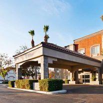 Best Western Plus Villa Del Lago Inn