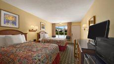 Rose Garden Inn & Suites