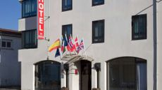 Hotel The Originals le Valois
