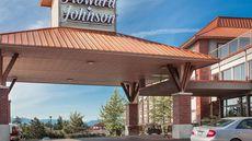 Howard Johnson Hotel & Suites Victoria