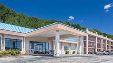 Howard Johnson Inn & Conference Center