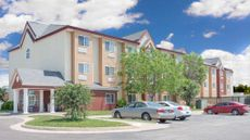Days Inn & Suites Hutchinson