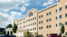 Baymont Inn & Suites, Erie