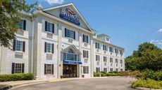 Baymont Inn & Suites-Lafayette Arpt