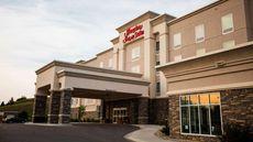 Hampton Inn & Suites Minot/Airport