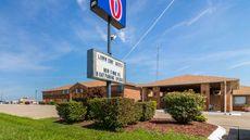 Motel 6 Marion, IL