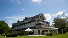 Larrivee Hotel & Spa