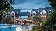 Mercure Omaha Beach Hotel