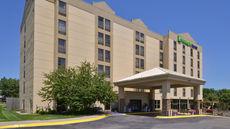 Holiday Inn Express Omaha West - 90th St