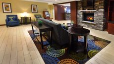 Holiday Inn Express & Sts Milford