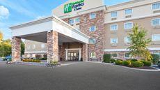 Holiday Inn Express & Suites Carmel Nort