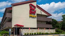 Red Roof PLUS+ Secaucus-Meadowlands -NYC