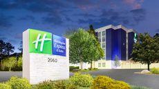 Holiday Inn Express & Suites Northlake