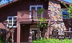 Pine Hills Lodge