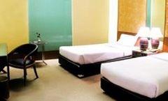 Royal River Hotel