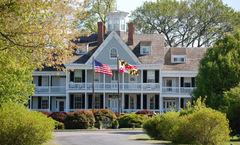 Historic Kent Manor Inn