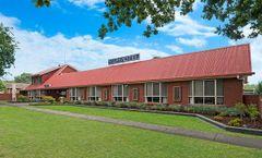 AAt 28 Goldsmith Motel