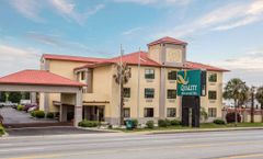 Quality Inn & Suites Ft Jackson Maingate