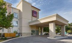 Comfort Suites NW Near Six Flags