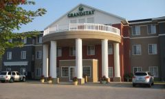 GrandStay Hotel & Suites Ames