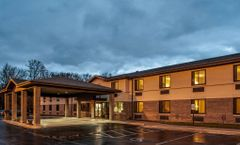Econo Lodge Inn & Suites Oconto