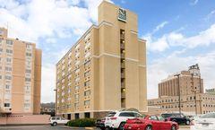 Quality Inn & Suites Charleston Plaza