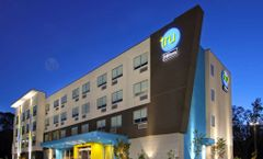 Tru by Hilton Meridian
