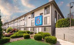 Motel 6 Kennewick, WA
