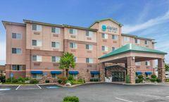Clarion Inn & Suites Medford