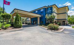 Clarion Pointe Hotel