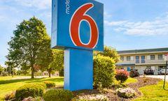 Motel 6 Kansas City Lenexa