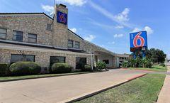 Motel 6 Austin Central
