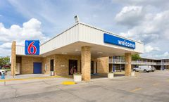 Motel 6 Baton Rouge Southeast