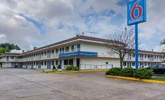 Motel 6 Fredericksburg - North
