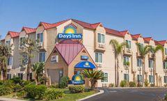 Days Inn by Wyndham Carlsbad Hotel