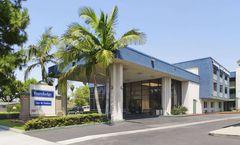 Travelodge Anaheim Inn and Suite