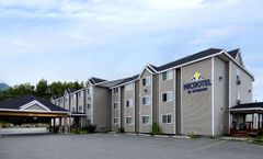 Microtel Inn & Suites Eagle River