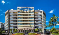 DoubleTree by Hilton Cairns